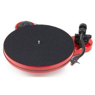 Pro-Ject RPM 1 Carbon Turntable Gloss Red